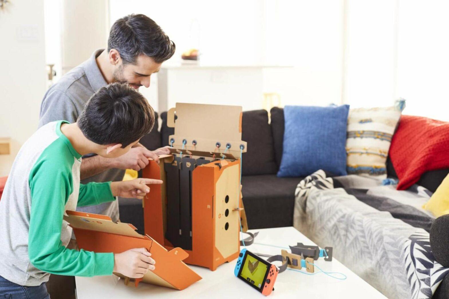LEGOLAND® Deutschland Resort: Familien bauen Roboter, Motorräder und Klaviere – aus Pappe!